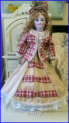 14 ANTIQUE SMILING BRU EMPRESS EUGENIE FRENCH FASHION DOLL+11 Outfits