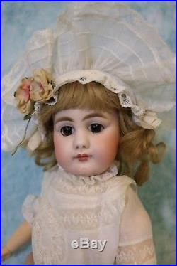 16 Antique 949 Simon Halbig German Bisque Doll Solid Dome Closed Mouth BEAUTY