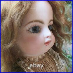 24 bebe Francois Gaultier Block Letter F 10 G. French antique closed mouth doll
