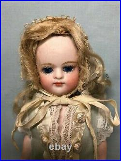8 1/4 Antique French Mignonette Doll Swivel Neck Peg Jointed