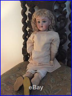 A lovely antique doll with bisque head from Heinrich Handwerck, Simon Halbig
