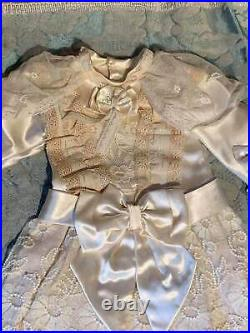 ANTIQUE silk dress for FRENCH doll 8-9 Jumeau Steiner Bru antique lace