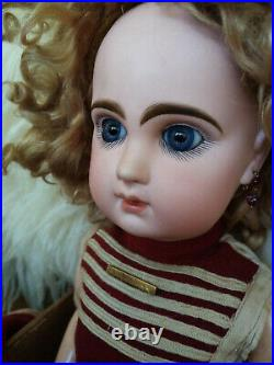 All original antique doll Jumeau closed mouth in box