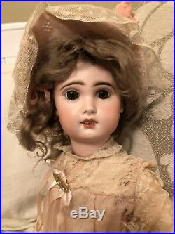 Antique 21.5 Bebe Jumeau French Bisque Doll On Walker Body With Voice Box