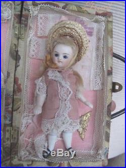 Antique French sweetest All Bisque Mignonette doll in presentation Box TOP