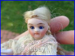 Antique doll lovely mignonette closed mouth blue eyes c1900 cute dollhouse doll