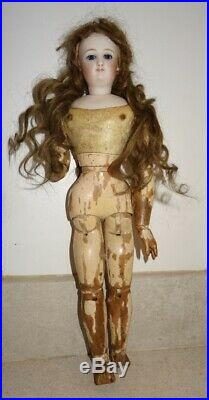 Antique rarely little fashion doll Bru size C rare body all articulated in wood