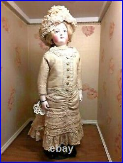 RED$ 24BISQUE FR. FASHION LADYby GAULTIER ANTIQUE GOWN & BONNET