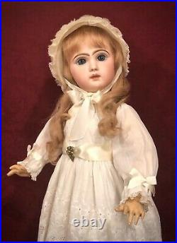 Stunning Antique Jumeau Bebe Reclame Closed Mouth Size 13