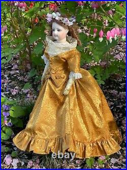 Stunning antique FG French Fashion lady poupee 17 with antique silk gown