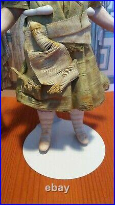 Very Rare S&H 881 all bisque Mignonette Closed mouth Rare 5 strap pink shoes